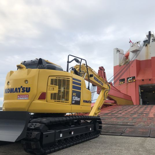 WW Ocean loads Komatsu machinery from Kanazawa port for the 10th time.